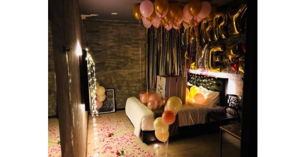 Plan your anniversary or birthday surprise with us!